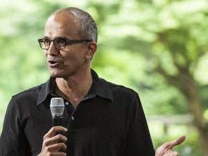 Nadella wins over Gartner crowd