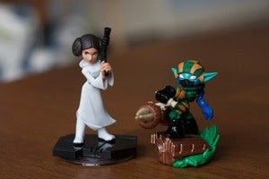 comparison figurines