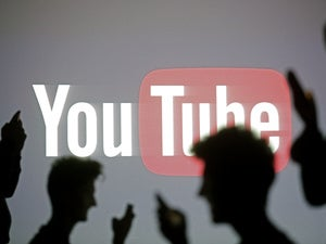 YouTube rules at VidCon, but still empty-handed on live mobile video