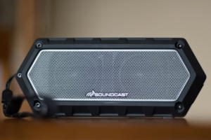 Soundcast VG1 front